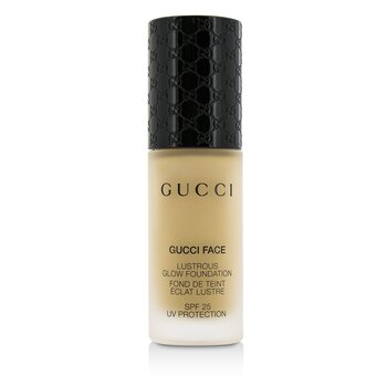 Gucci Lustrous zářivý make-up SPF 25 - #050 (Light)